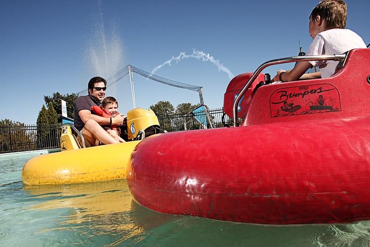 bumper boats in kenosha, kenosha bumper boats, family fun in kenosha